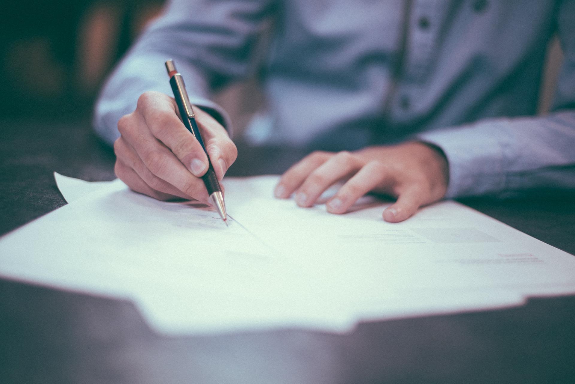 vertrag-unterschreiben